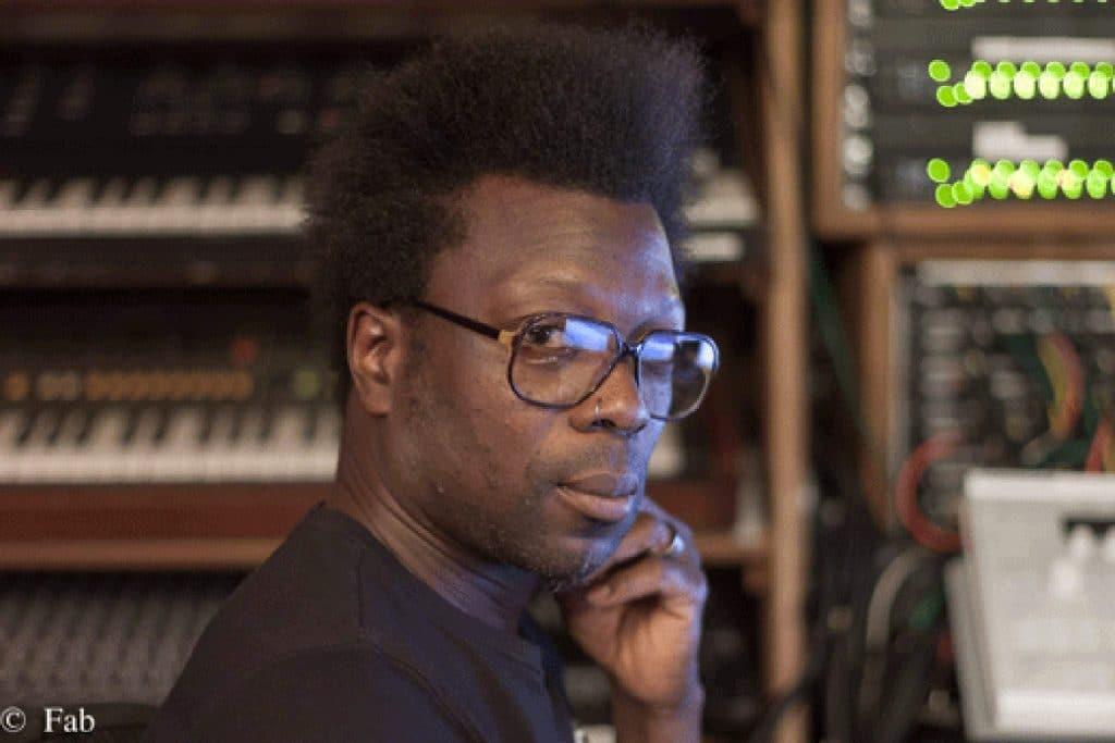 """Producer / Réalisateur / Drummer : Ulrich """"Yul"""" Édorh."""